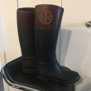 Tori Burch knee high boot size 9 and barely worn
